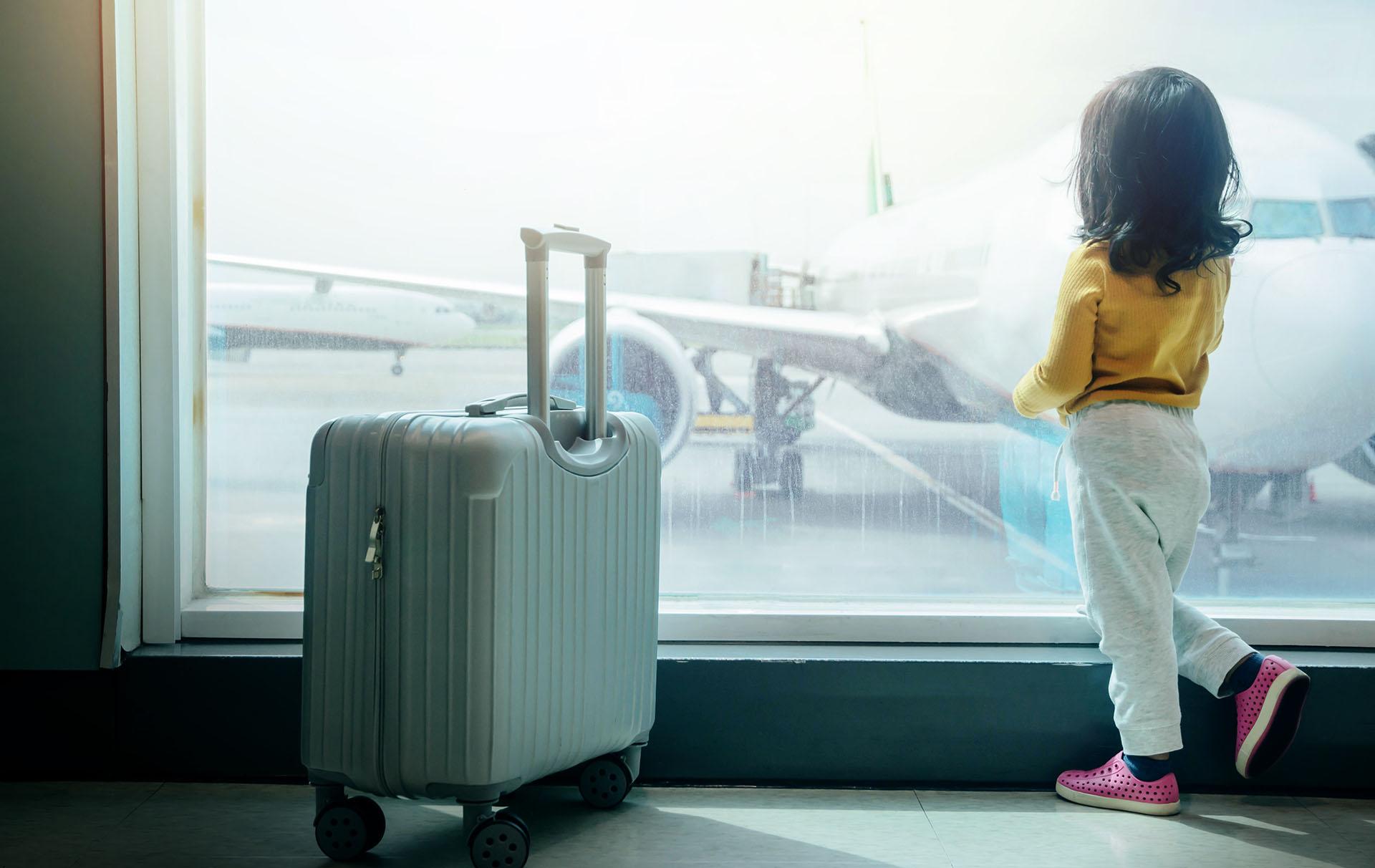 mum furious at airline employee mocking daughter