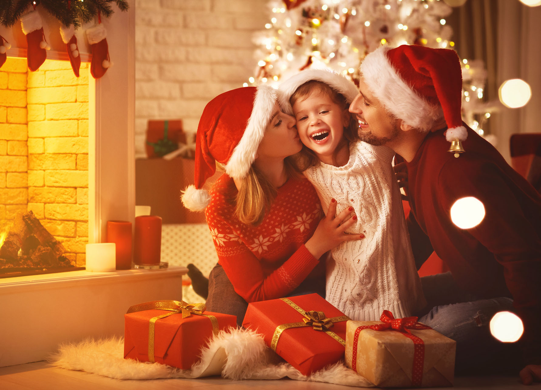 16 Adorable Christmas Traditions To Start With Your Kids
