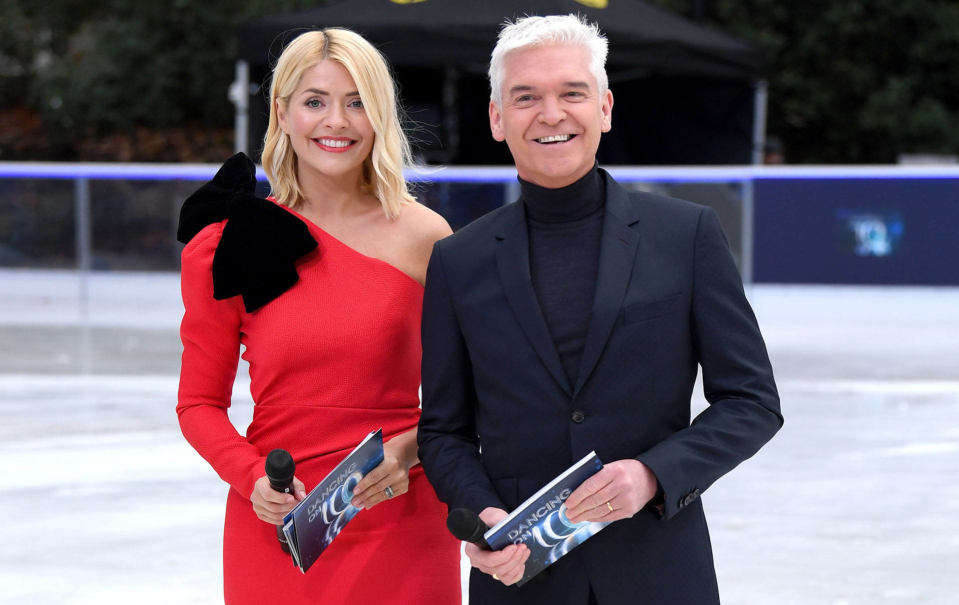 holly willoughby left close to tears