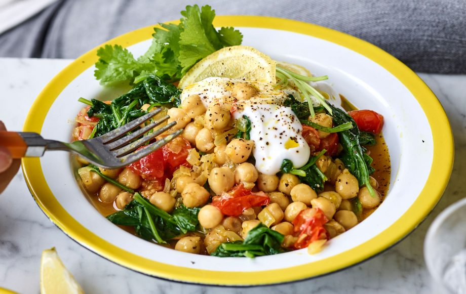 Joe Wicks' vegan chickpea curry with tomato and spinach Recipe