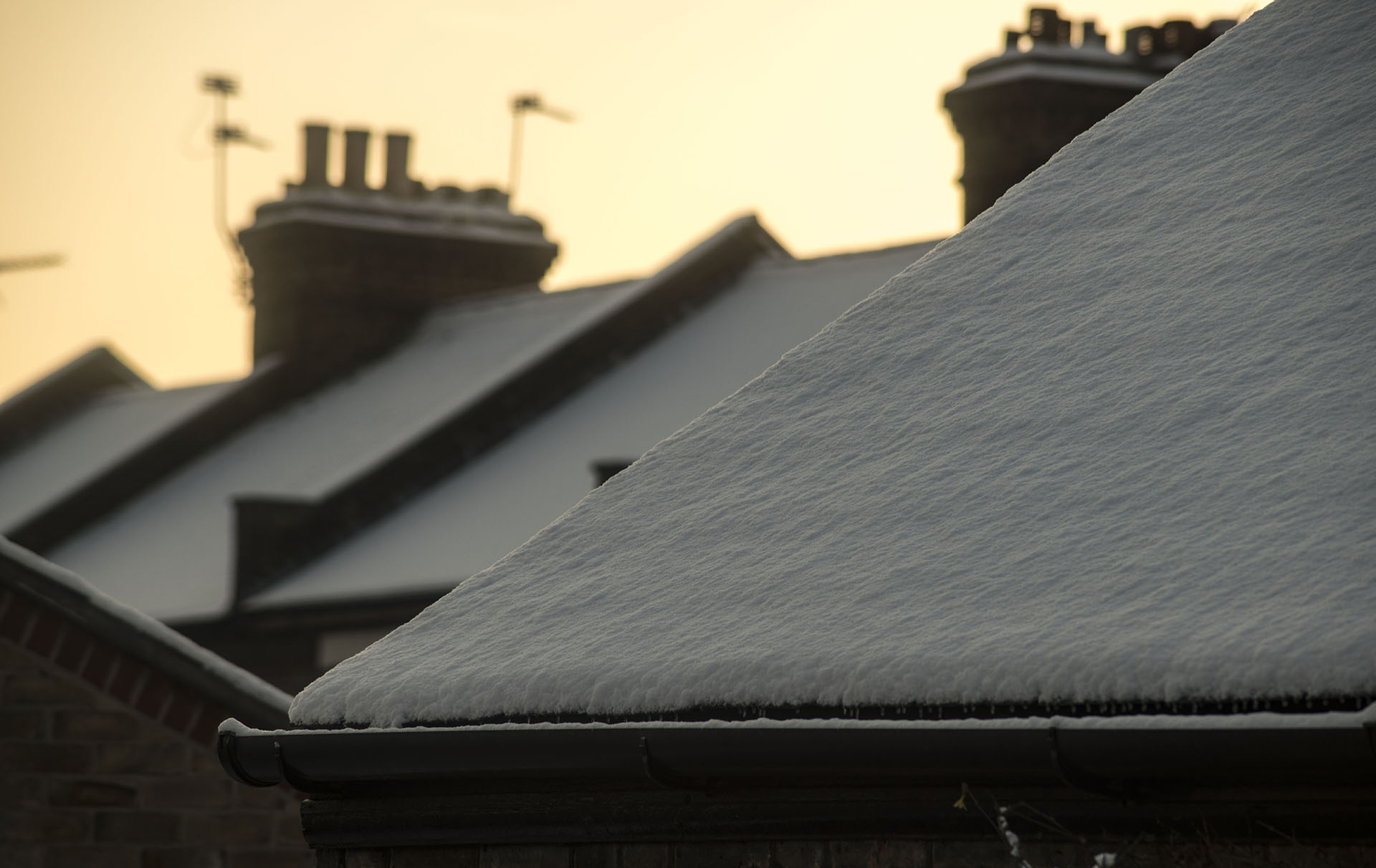 police warning roof snow
