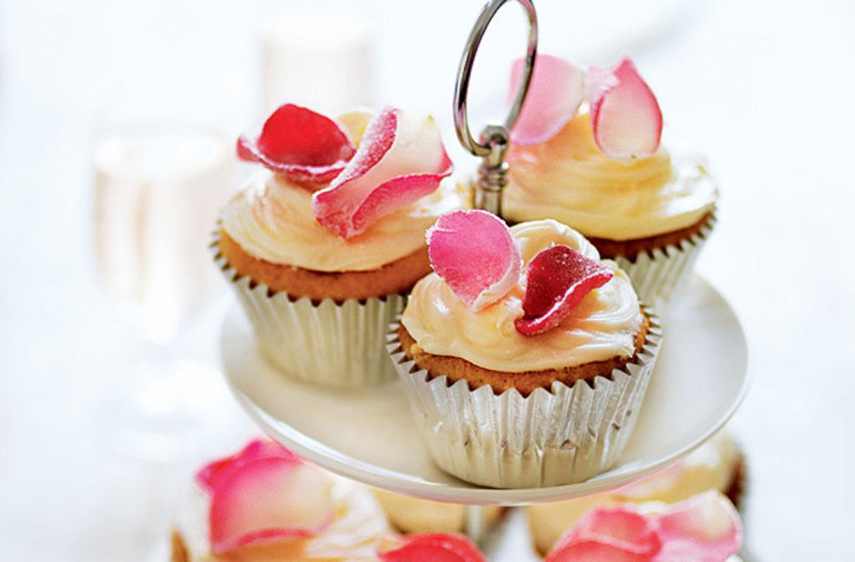 30 Wedding Cupcakes Goodtoknow
