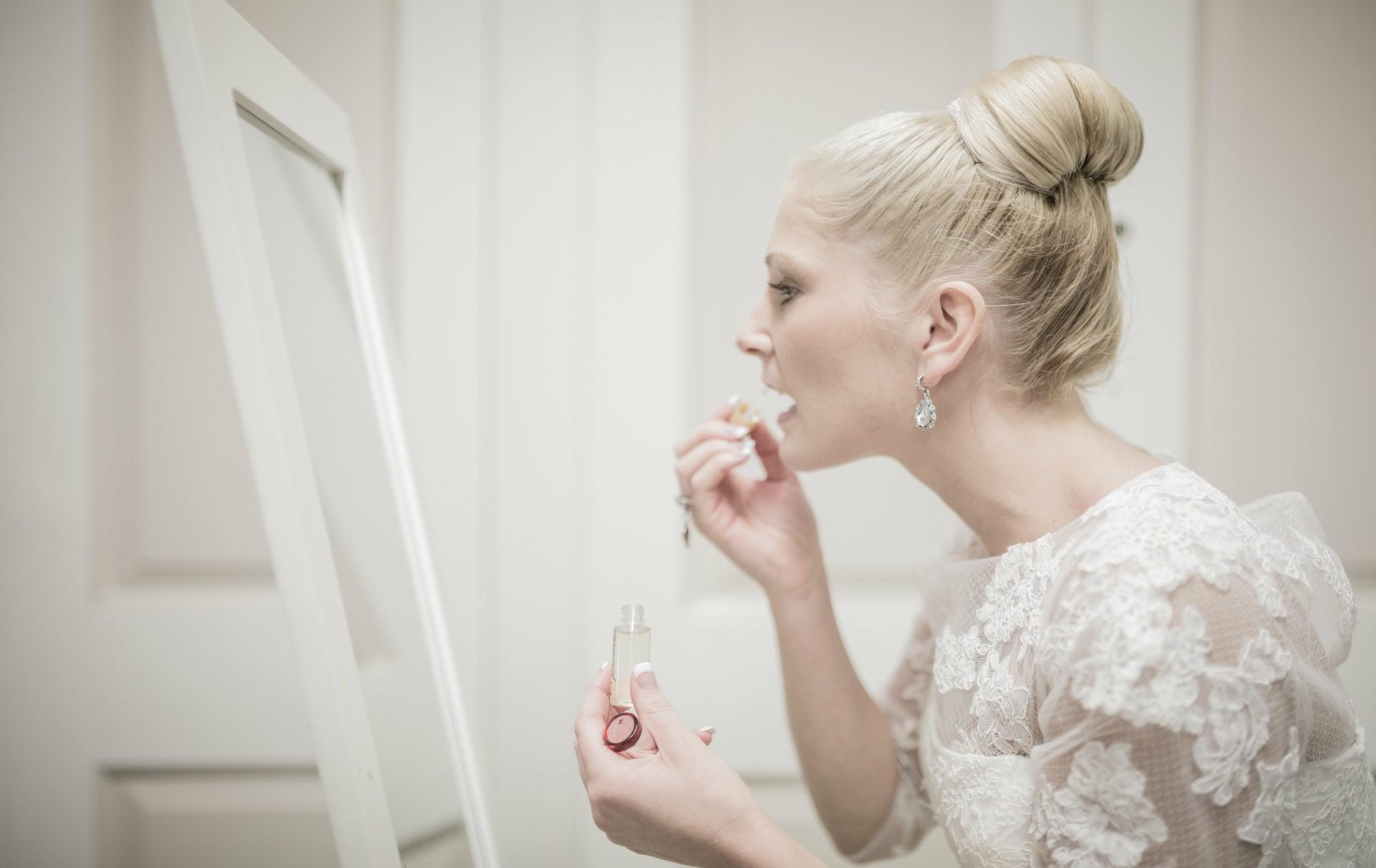Bride says pregnant bridesmaid fund second wedding
