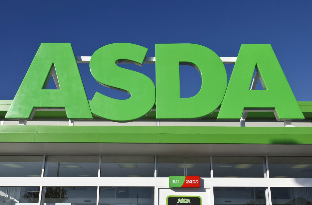 Shoppers are loving Asda's wooden toy washing machine for their little ones this Christmas