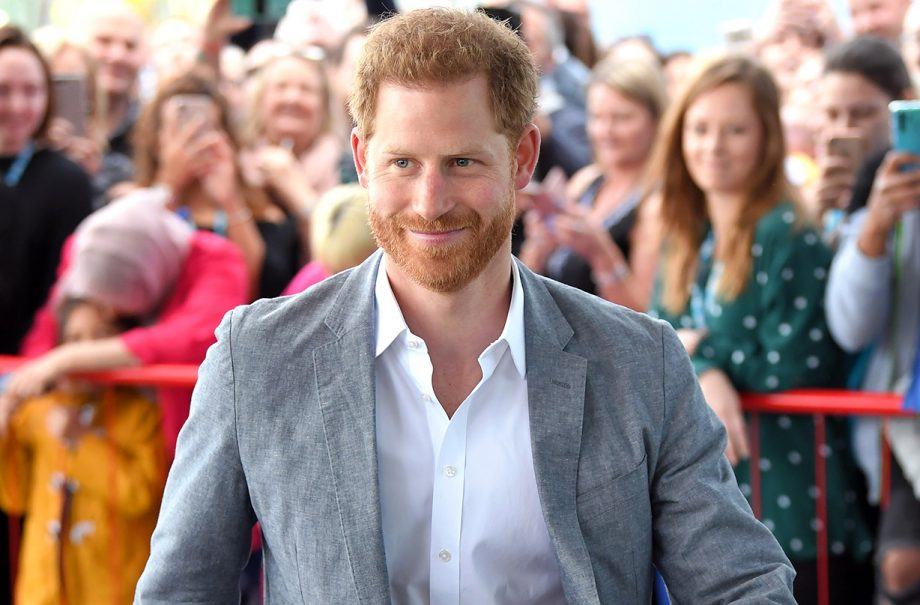 prince harry revealed archie birth royal family whatsapp group