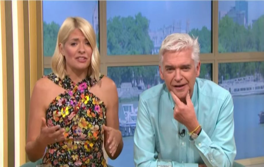 Holly Willoughby breaks down during her last This Morning show before summer break