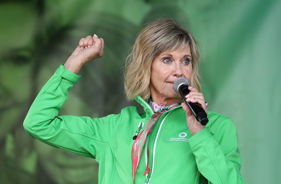 olivia newton john discusses breast cancer life expectancy