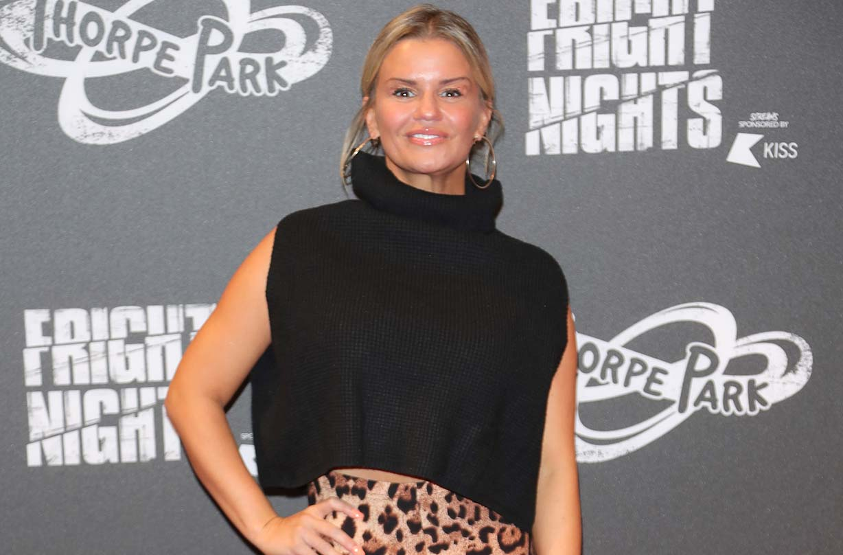 kerry katona slammed photo daughter makeup