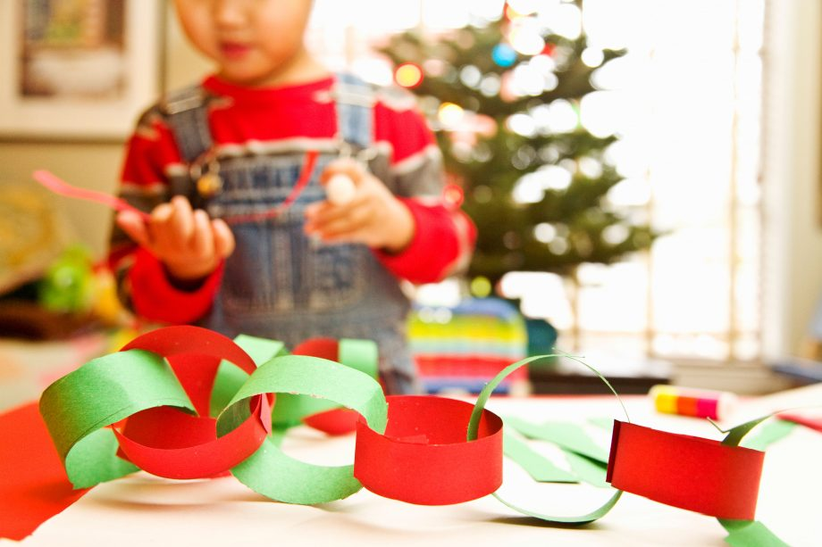 Make your own Christmas paper chains