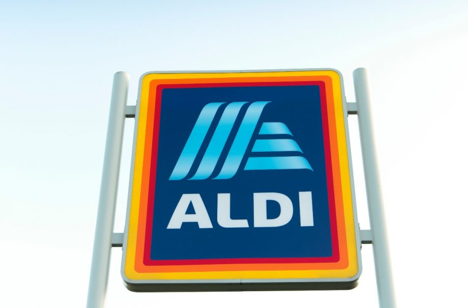 Aldi have released a 'Cosy' limited edition candle and diffuser range