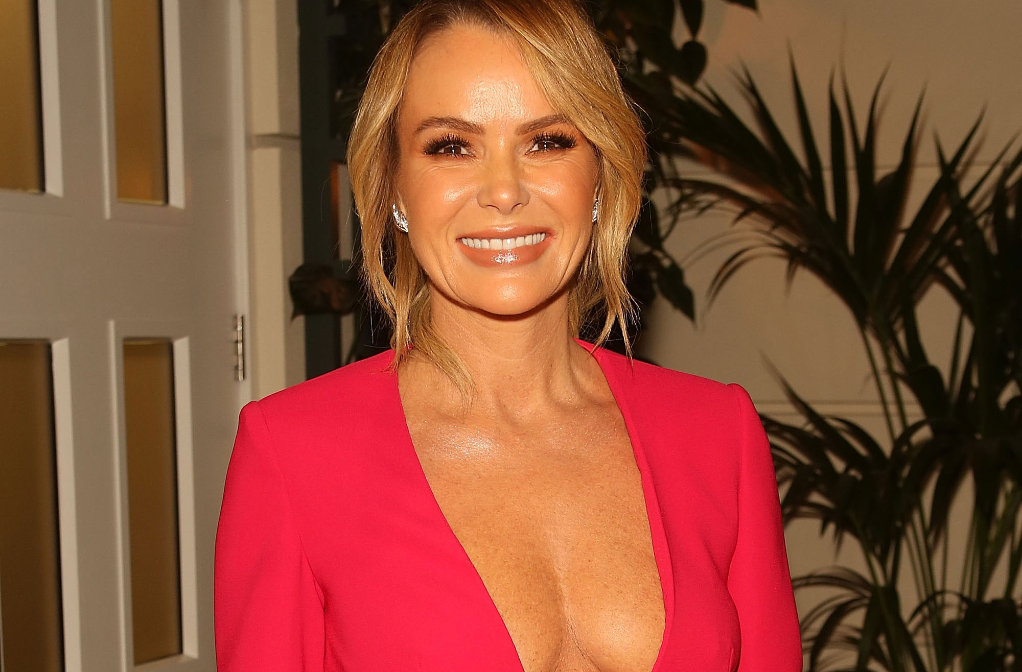 Amanda Holden Sex Video amanda holden hospitalised and rushed into surgery after
