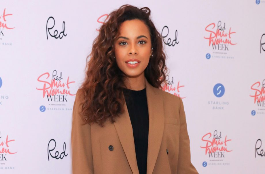 rochelle humes hilarious video umbrella wind