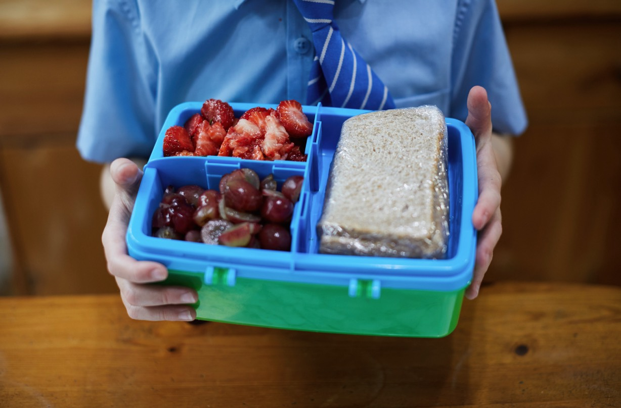 Super savvy mum-of-three makes school lunches for less the £10 a week