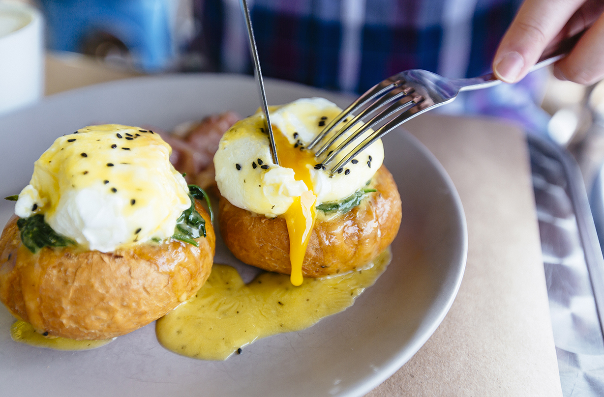 cook poached eggs expert reveals perfect method