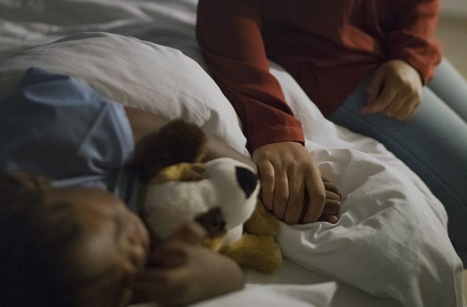 mother reveals five year old son coronavirus symptoms hospital