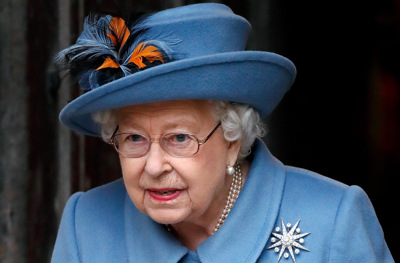 queen self isolate windsor castle coronavirus