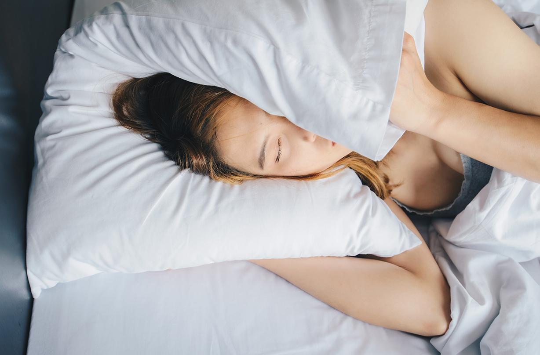 reasons brits struggling sleep coronavirus lockdown