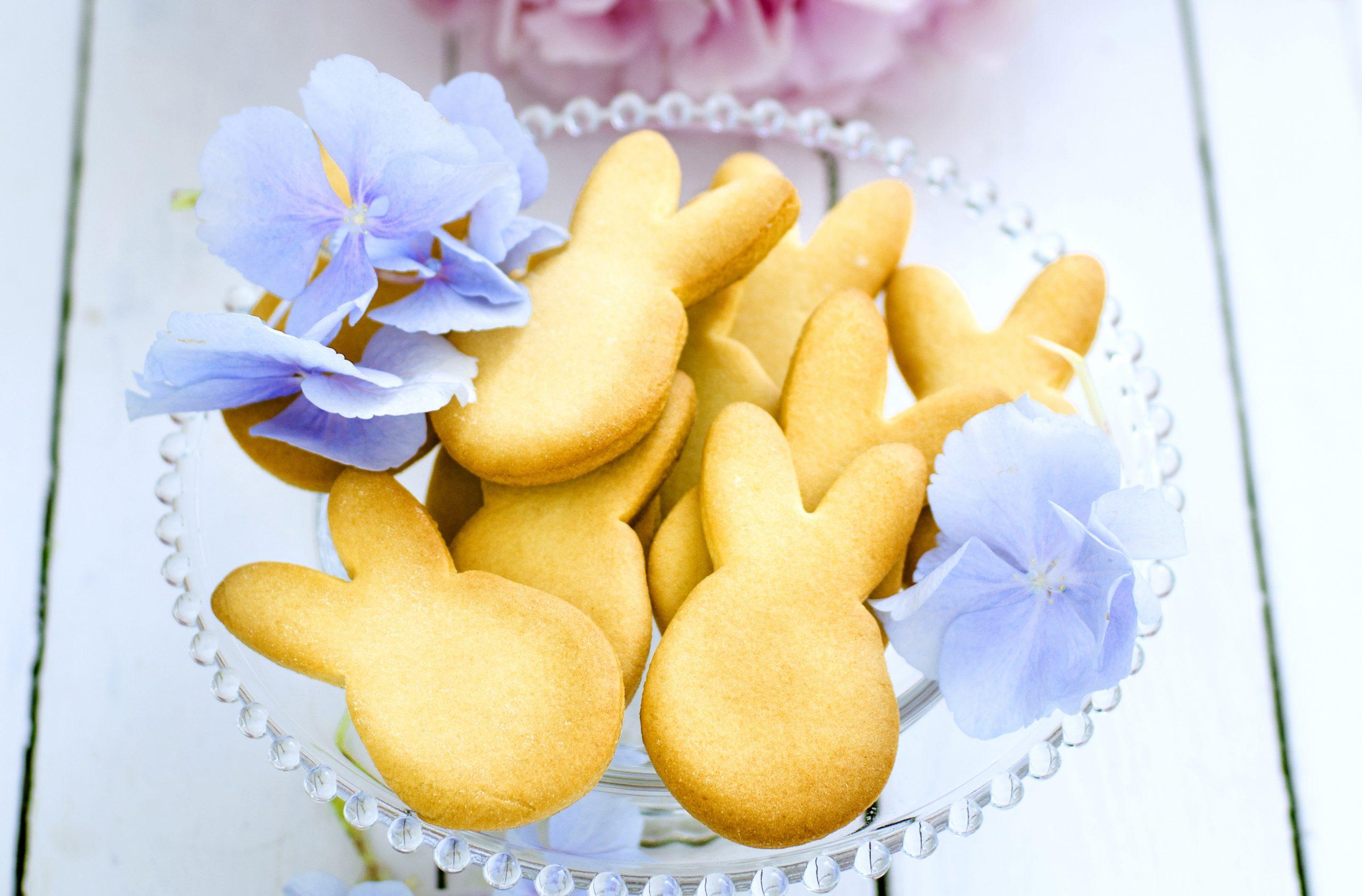 queen easter biscuit