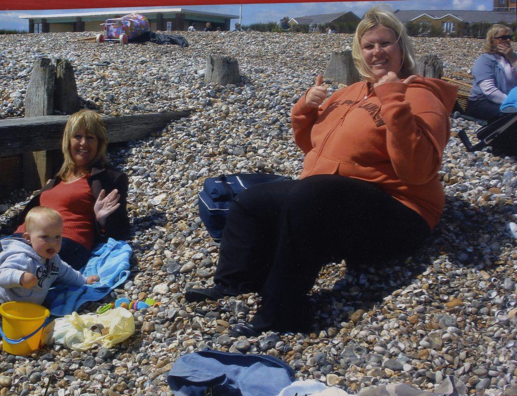Natasha Bunby sur la plage