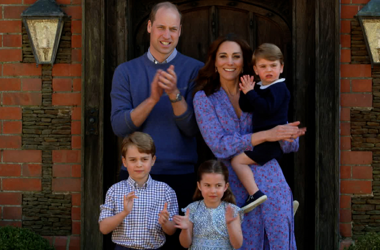 How Prince George, Princess Charlotte and Prince Louis behave at dinner