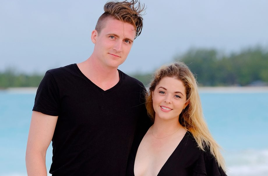 Pretty Little Liars Sasha Pieterse expecting first child