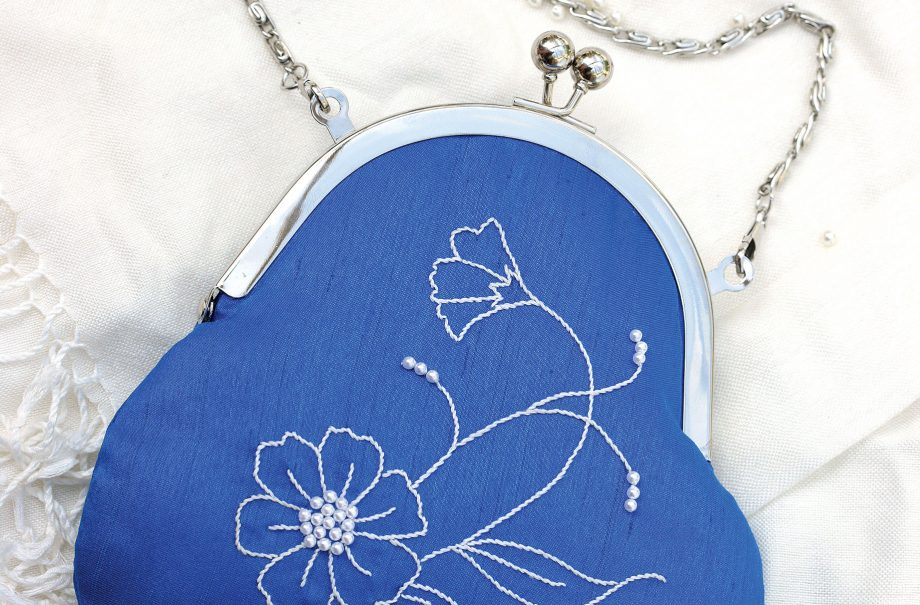 How to make an embroidered clutch bag