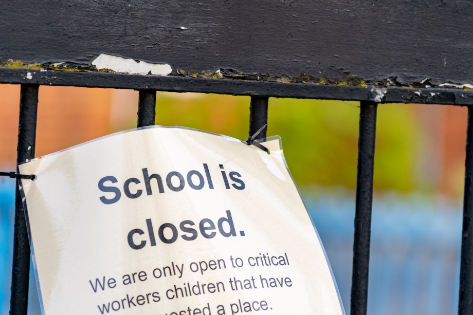 sign saying 'school is closed' after coronavirus lockdown