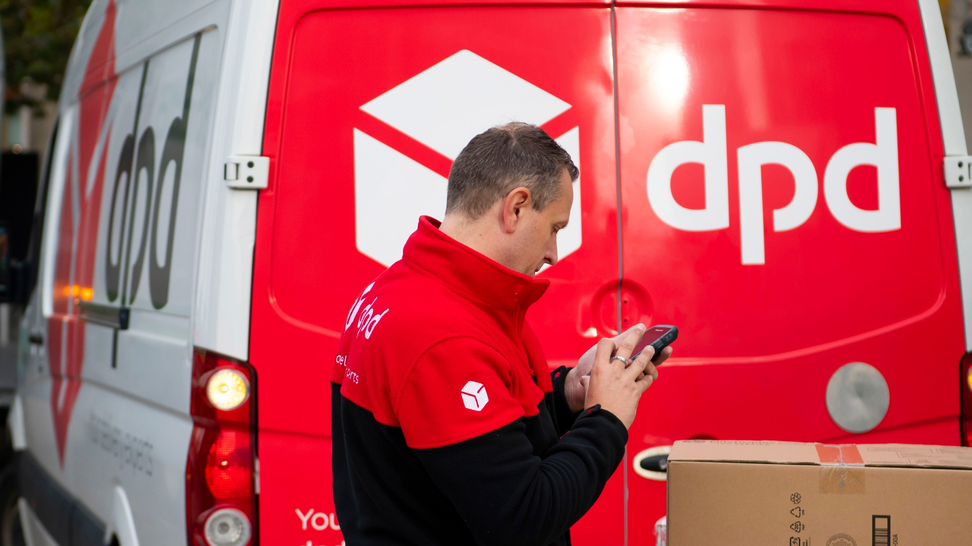 DPD Scam: Christmas shoppers warned to look out for DPD delivery scam
