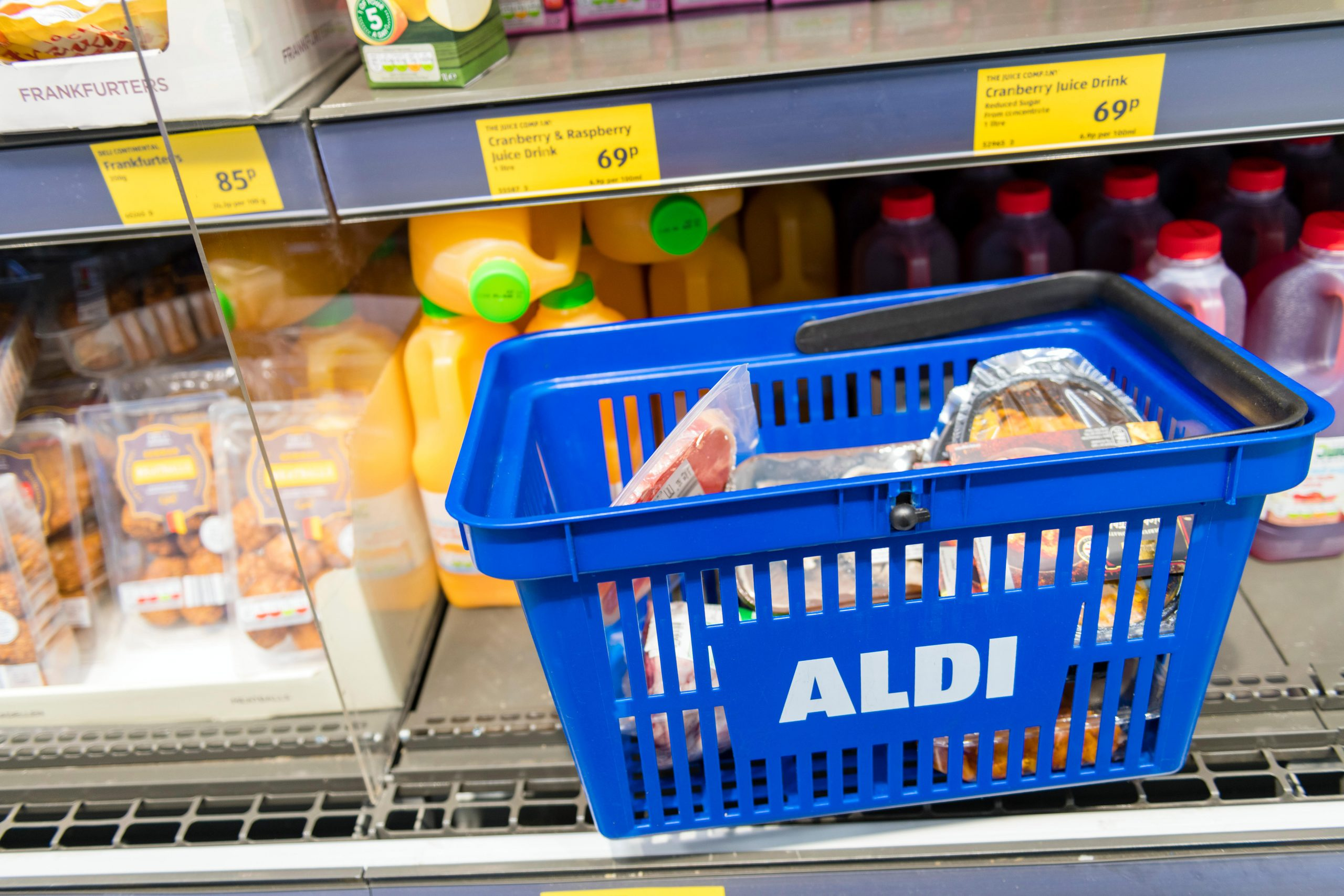 Mum feeds family of four for £25 a week - here's her Aldi shopping list