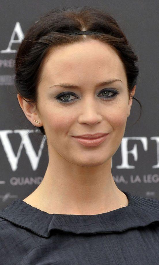 Celebrity Beauty Classic Smoky Eye Makeup Look