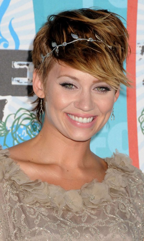 Best Celebrity Cropped Hairstyles to Get Inspired by ...