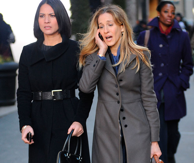 Olivia Munn and Sarah Jessica Parker hit the streets of NYC to film I Don't Know How She Does It