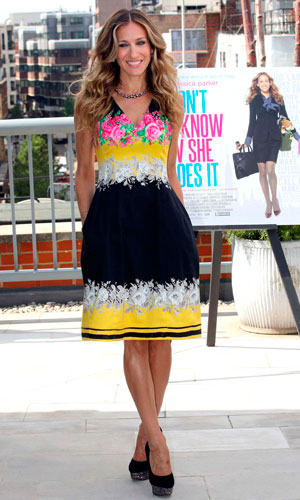 Sarah Jessica Parker wearing a Prabal Gurung dress and Charlotte Olympia heels to promote her film I Don't Know How She Does It in London