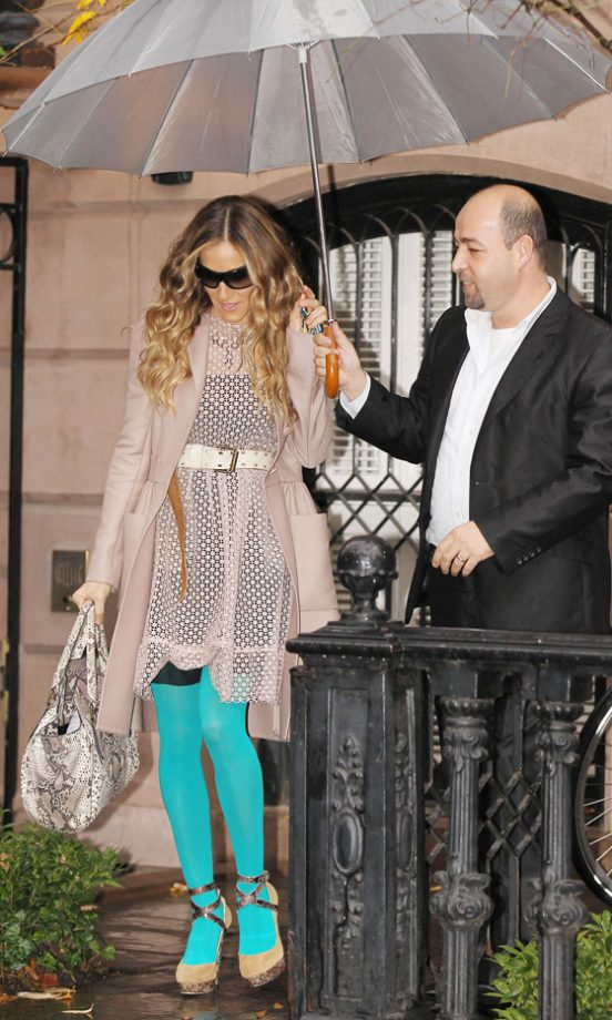 Sarah Jessica Parker Rocked Bright Blue Legs Out And About In New York - We Absolutely Love Her Look, 2011