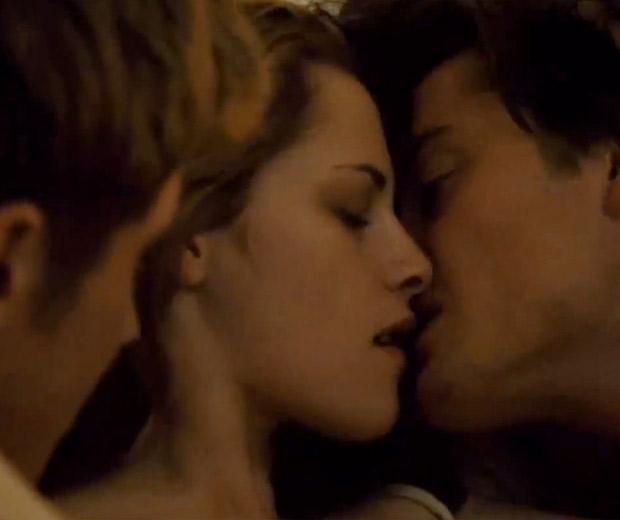 Kristen Stewart Kissing Threesome