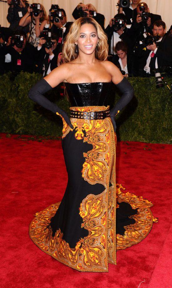 Met Ball 2013: Beyoncé, Kristen Stewart And More On The Red Carpet
