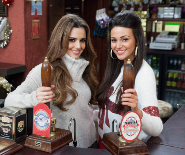 Cheryl Put Her Best Barmaid Skills To Work For Corrie S Text Santa Special