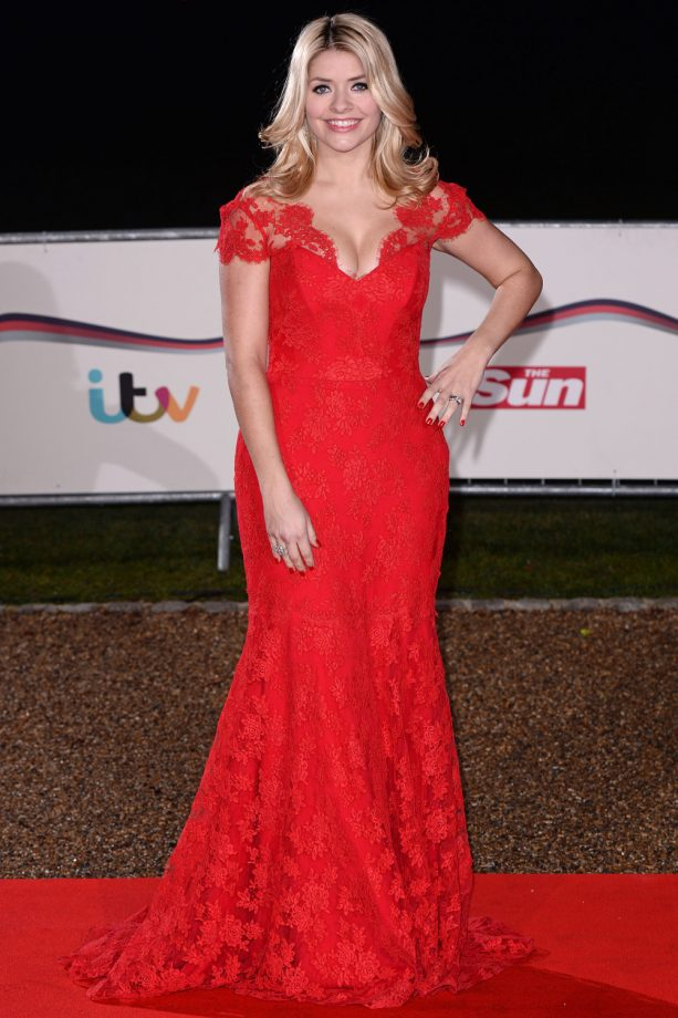 Holly Willoughby In Red Suzanne Neville At The Sun Military Awards