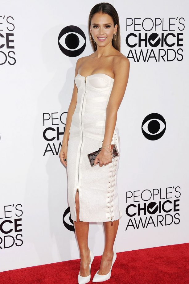 Jessica Alba Looking Sexy In White At The People's Choice Awards