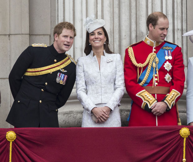 Kate Middleton looks fabulous next to Prince Harry and Prince William