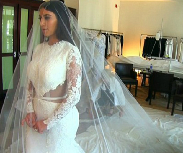 Kim Kardashian's Wedding Dress Fitting Went Like This ...