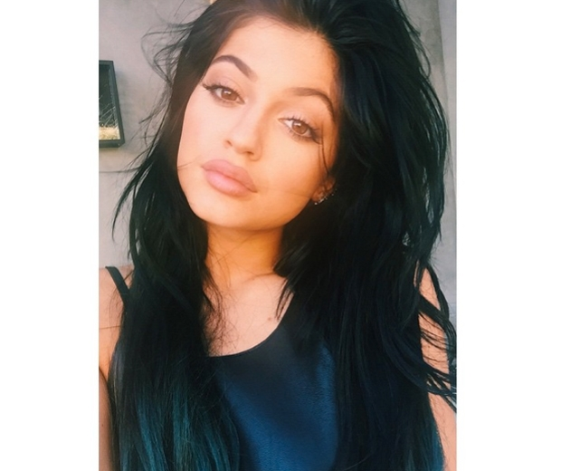 kylie jenner offers up a new explanation for her plump