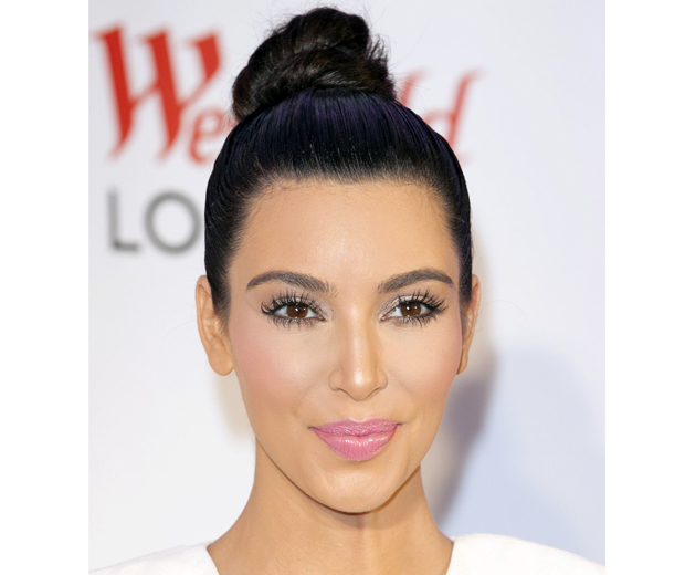 Kim Kardashian uses her Giella M Eye Glam to highlight her cheekbones