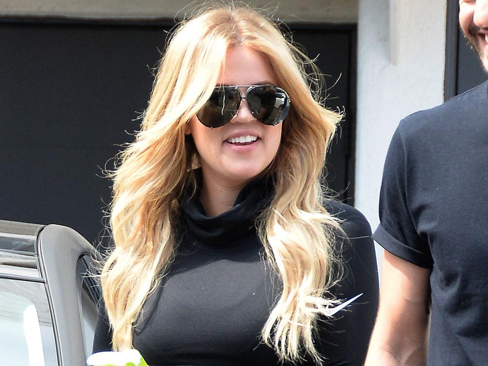 Khloe Kardashian Hair Style: Khloe Kardashian Does Mermaid Chic With Hair Extensions