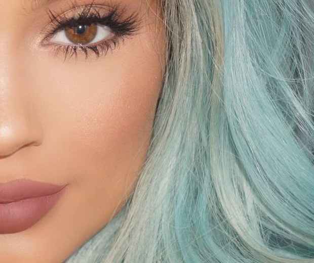 Kendall And Kylie Jenners Secret Eyelash Tip Revealed Look