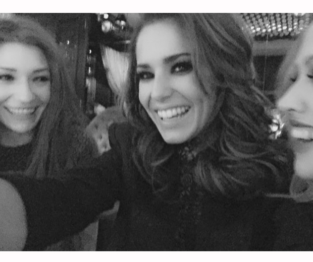 Cheryl Fernandez Versini shared this happy snap of her on a girls' night out in Barbados