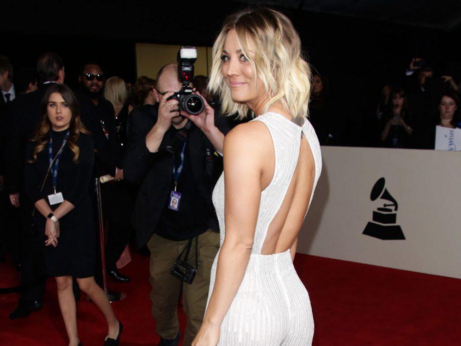 Kaley Cuoco looked seriously smokin' at the Grammys