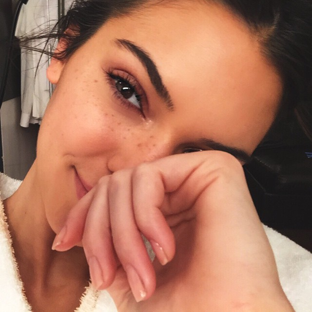 What type of woman does Kendall see as 'strong'? Let's find out