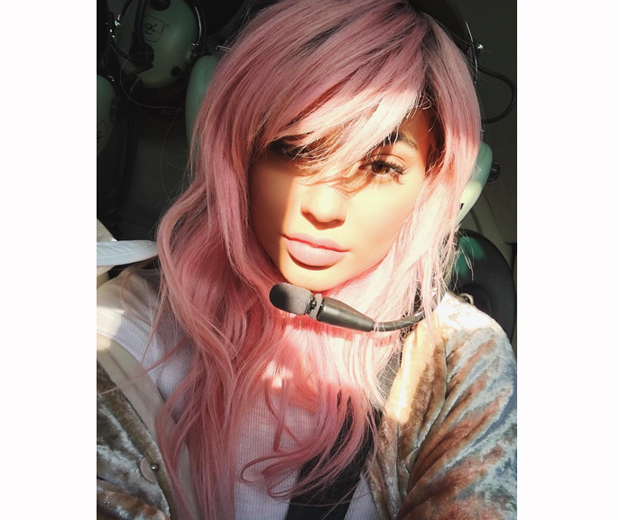 Kylie Jenner debuted her new candy pink hair on Instagram last night...