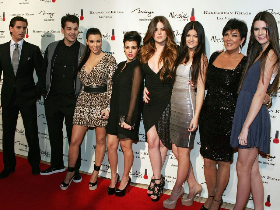 Fans Want To Know If There Will Be A Kardashian Christmas Card This ...